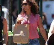 Alicia Keys shopping