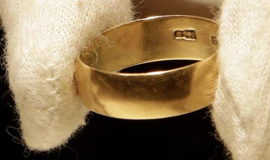 Oswald wedding ring sells for $108,000 at auction