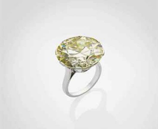 A Yellow diamond ring sells for $623,000 at Christie's Paris Jewels Sale