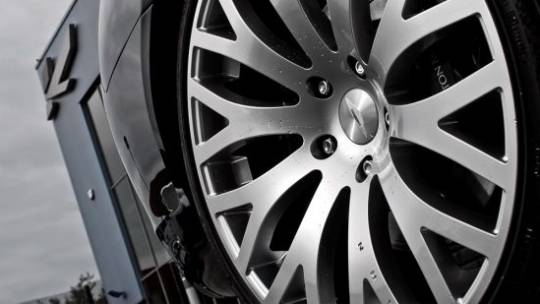 "Kahn Design Aston Martin Rapide sports Kahn 21"" RSX-F wheels"