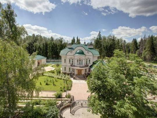 Two Magnificent Estates on Kaluga Highway, Moscow