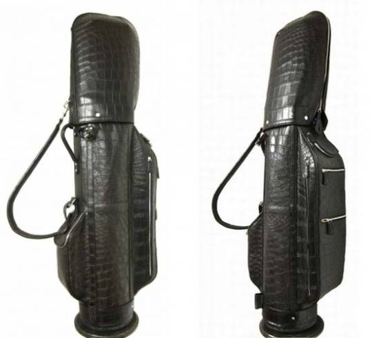 Treccani Milano's luxury golf bag in alligator leather