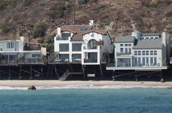 photo: house/residence of cool cute charming  20 million earning Malibu, Los Angeles, CA, United States-resident