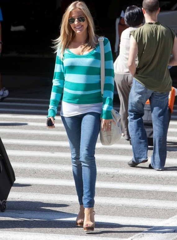The actress put on this stripped Sweater in April this year after arriving at LAX.