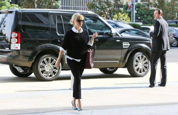 Reese Witherspoon bought a new metallic black Land Rover LR4