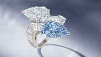 Rare blue diamond ring sold for $ 2.9 Million at Bonhams