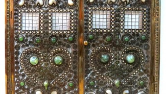 Jeweled fire screen attributed to Tiffany tops $60,000 at S & S Auction