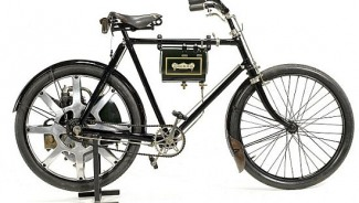 One of the world's first motorcycles from 1899 goes on auction