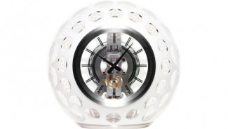 The Atmos Clock brings together designing and aesthetics of Hermes, Jaeger Le-Coultre and Saint Louis