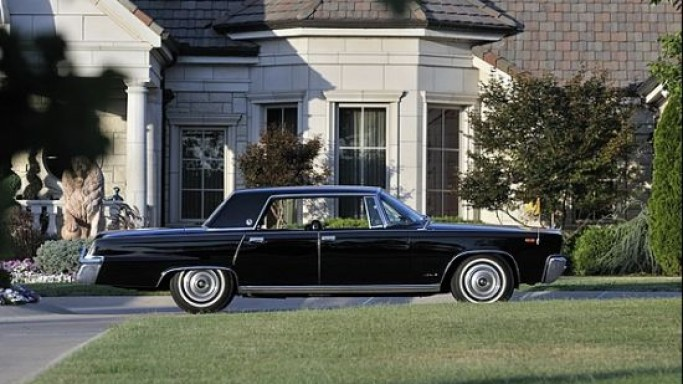 Pope Paul VI's 1966 Chrysler LeBaron Crown Imperial which received the Apollo 11′s returning astronauts is up for sale