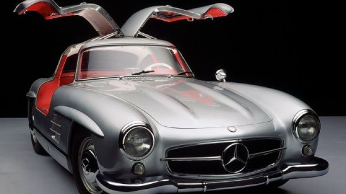 Clark Gable's 1955 Mercedes-Benz 300SL Gullwing Coupe which ferried Marilyn Monroe is on sale
