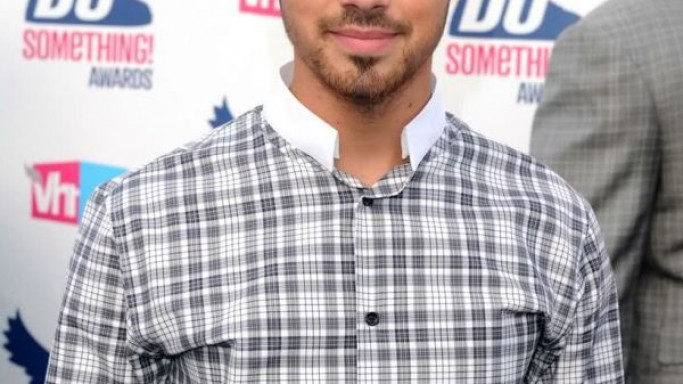 Joe Jonas attends DoSomething event