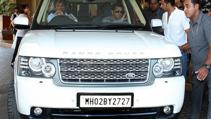 Salman Khan drives Land Rover Range Rover Vogue