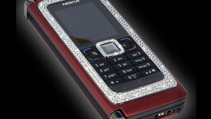 Diamond-studded Nokia E90 woos super-rich