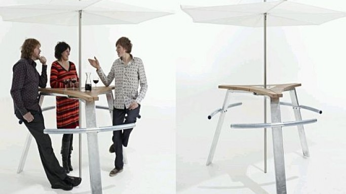 The Abachus Table allows you to lean back while standing