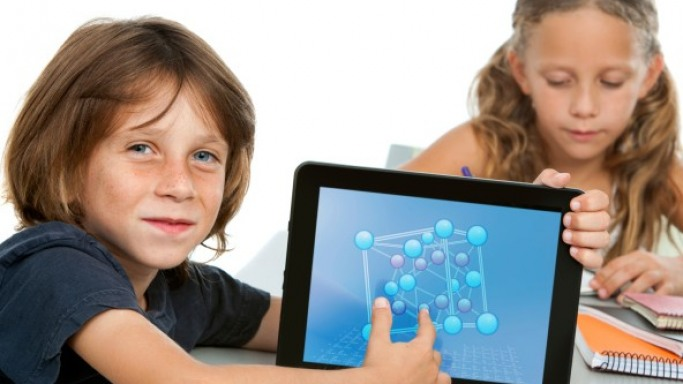 Los Angeles Unified School District To Receive 31,000 Free iPads For Students