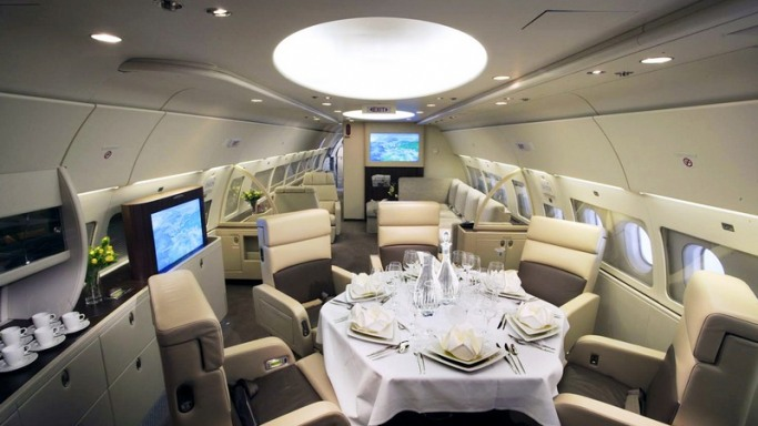 Interiors of gifted jet