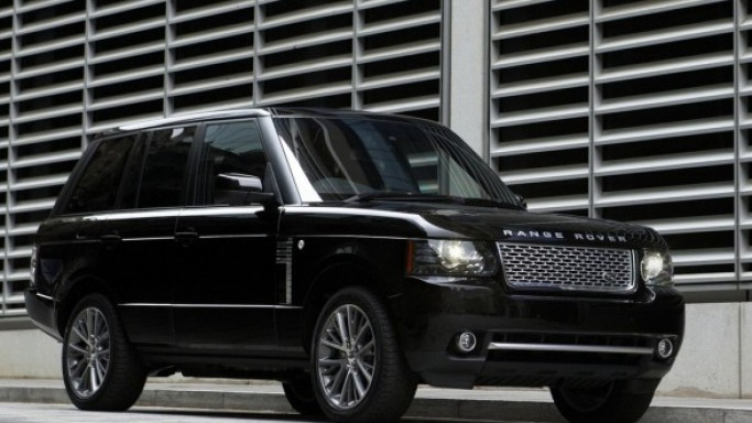 Range Rover car - Color: Black  // Description: classy