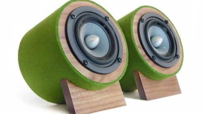 "Well Rounded Sound ""Jack Terrier 2″ is the most beautiful eco-friendly desktop speaker"