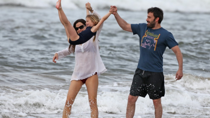 Actor Ben Affleck was spotted in Hawaii, celebrating the fall of the new year with Jennifer Garner and his beloved daughters Seraphina and Violet.