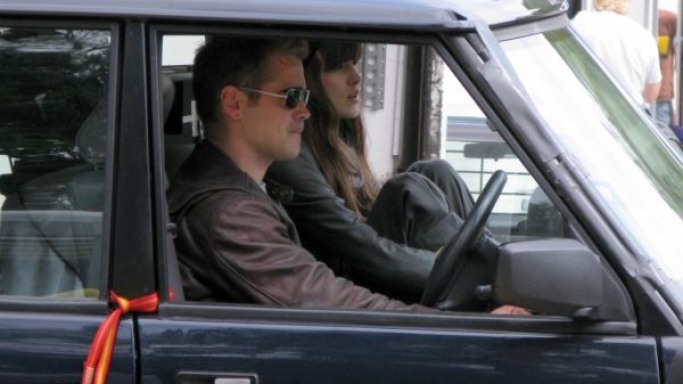 Keira Knightley drives Range Rover
