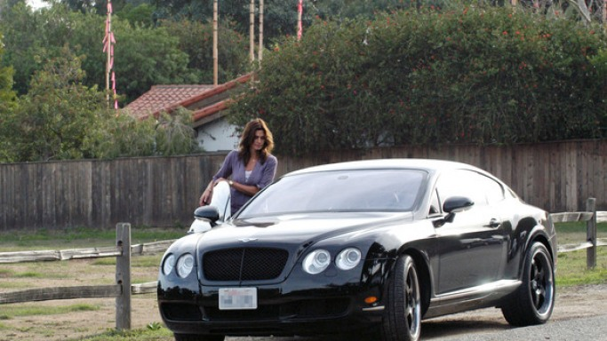 Cindy Crawford drives Bentley Continental GT