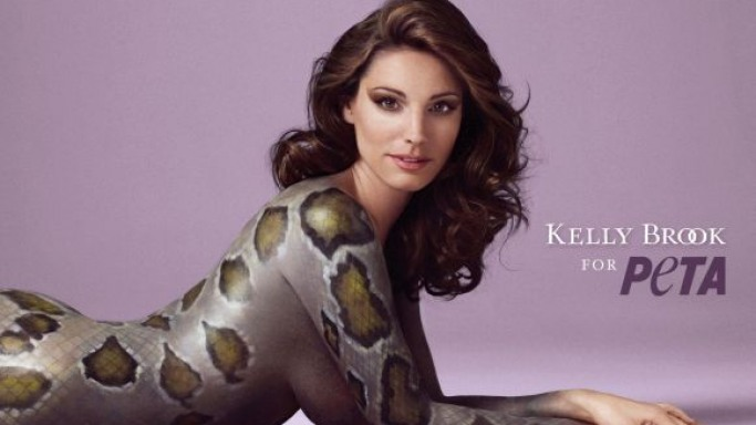 Kelly Brook posed nude in order to show her support for PETA's campaign