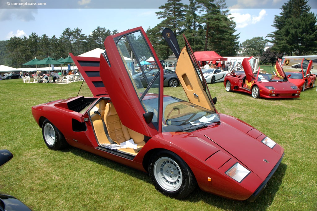 lamborghini countach lp400 bornrich price features luxury factor engine review top speed. Black Bedroom Furniture Sets. Home Design Ideas