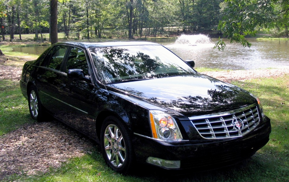 Cadillac DTS - Bornrich , Price , Features,Luxury factor, Engine, Review,Top Speed, Mileage and ...